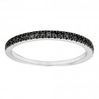 Ring i sort sølv med en række af zirkoner fra Joanli Nor