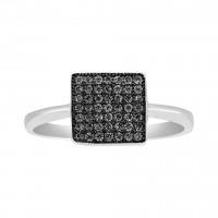 Ring i sort sølv med zirkoner fra Joanli Nor