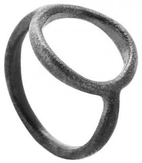 Orbit ring i sølv oxideret fra Von Lotzbeck